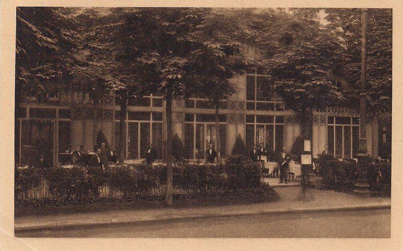 Vintage Postcard, 'Exposition Internationale des Arts Décoratifs (Paris 1925. Le Restaurant avant l'heure du déjeuner'. Measures 3.5 x 5.5 inches. $10